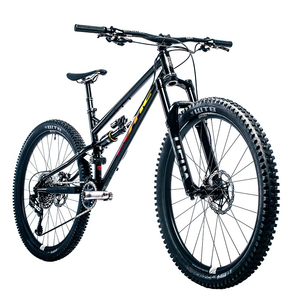 Cotic Jeht in Afterburner and black, steel full suspension mountain bike, 29 mountain bike, 140mm travel, uk made, british made, made in britain, reynolds 853, long geometry, hand painted graphics