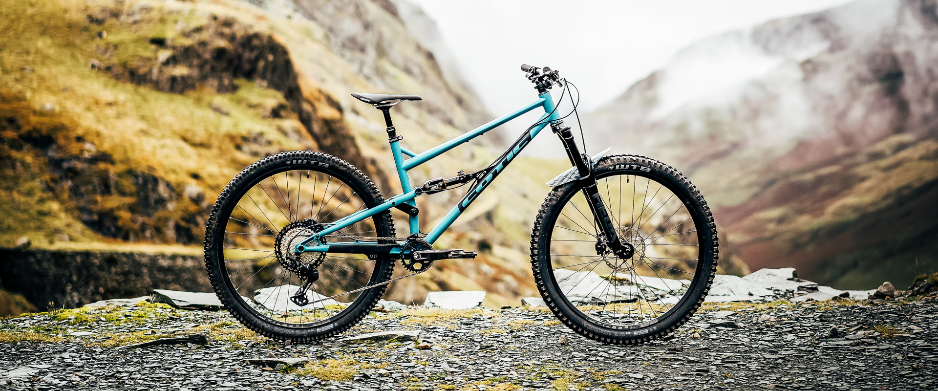 Cotic Jeht in Matte Teal, steel full suspension mountain bike, 29 mountain bike, 140mm travel, uk made, british made, made in britain, reynolds 853, long geometry, hand painted graphics
